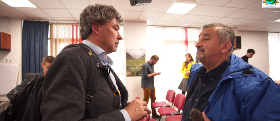 """""""Într-o după amiază"""" ministrul Paşca Palmer a fost convins de miliardarii Conservation Carpathia să înfiinţeze Parcul Naţional Munţii Făgăraş"""